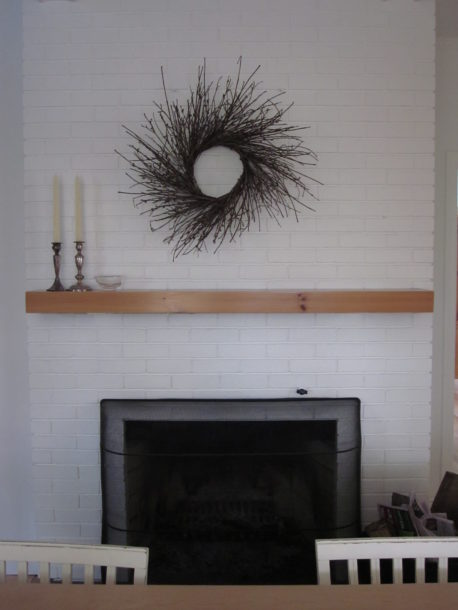 kitchen wreath mantel