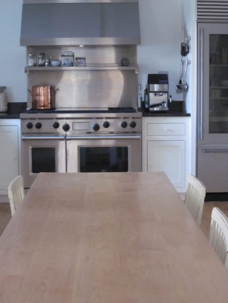kitchen9 long table stove